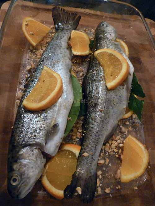 notafraidofbutter.nl | Trout with dukkah and orange ready for the oven
